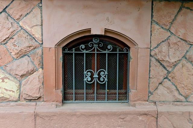 Undichte Kellerfenster